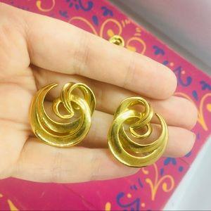 Vintage Avon gold earrings